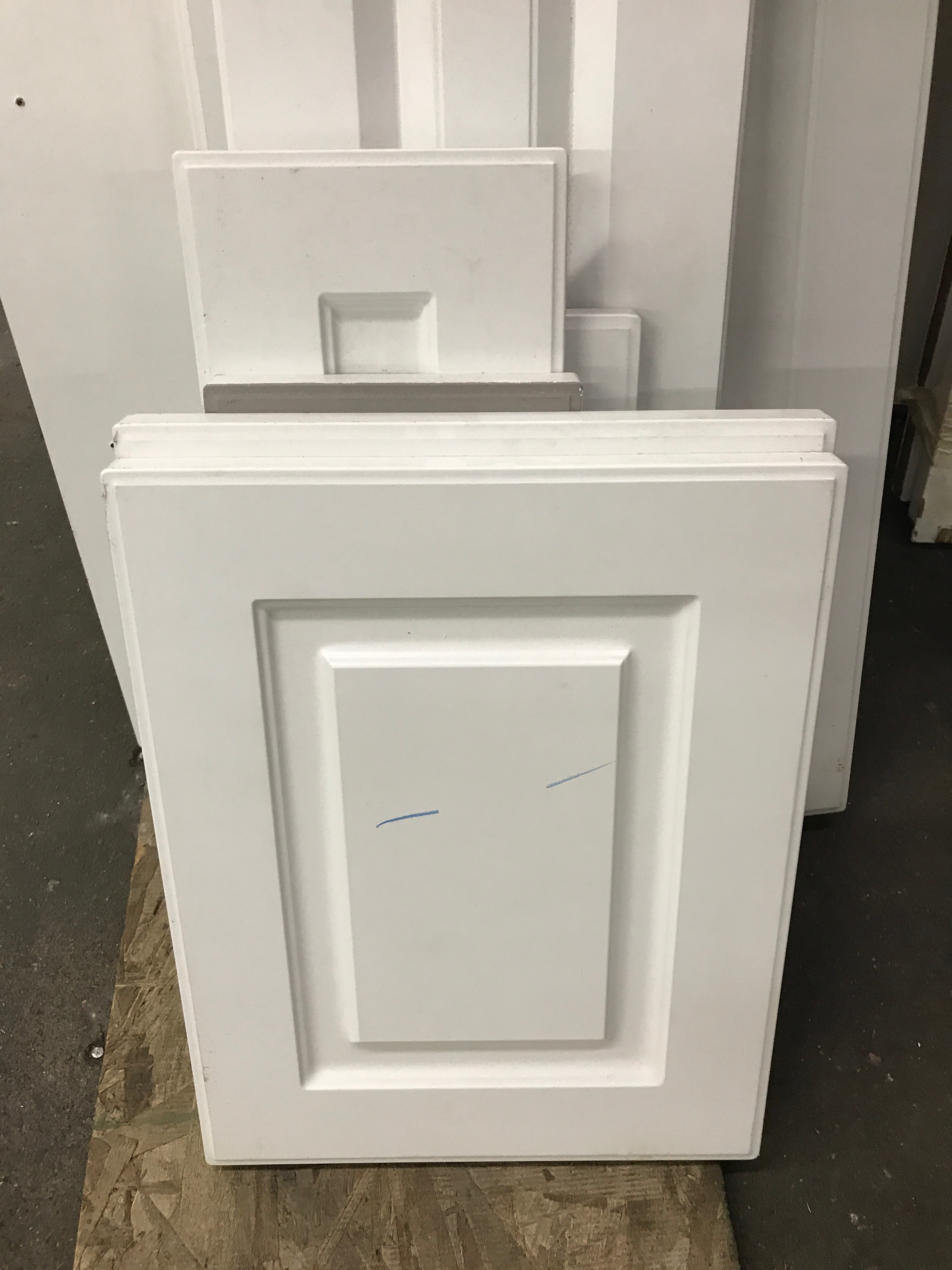 Lot of White Kitchen Cabinet Doors