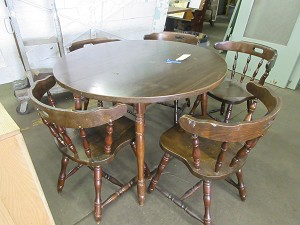 Kitchen table w/five chairs